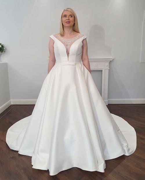 Ruby 7454 Mark Lesley wedding dress