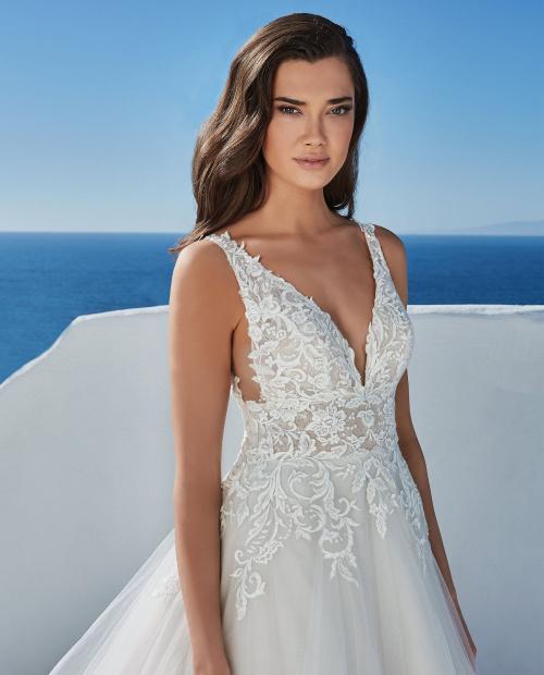 Bianca 88198 Justin Alexander wedding dress